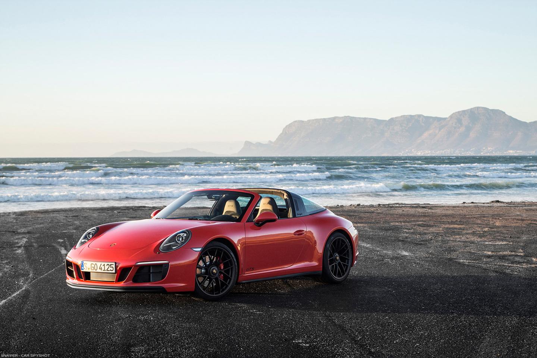 2017_Porsche_911_Targa_4_GTS_022.jpg